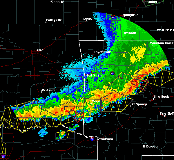 Radar Image for Severe Thunderstorms near Norman, AR at 4/28/2020 10:16 PM CDT
