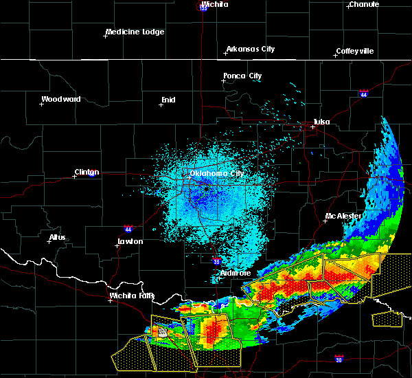 Radar Image for Severe Thunderstorms near Preston, TX at 4/28/2020 10:18 PM CDT