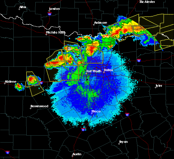 Radar Image for Severe Thunderstorms near Armstrong, OK at 4/28/2020 10:34 PM CDT