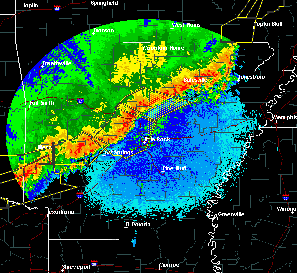 Radar Image for Severe Thunderstorms near Tumbling Shoals, AR at 4/28/2020 10:36 PM CDT