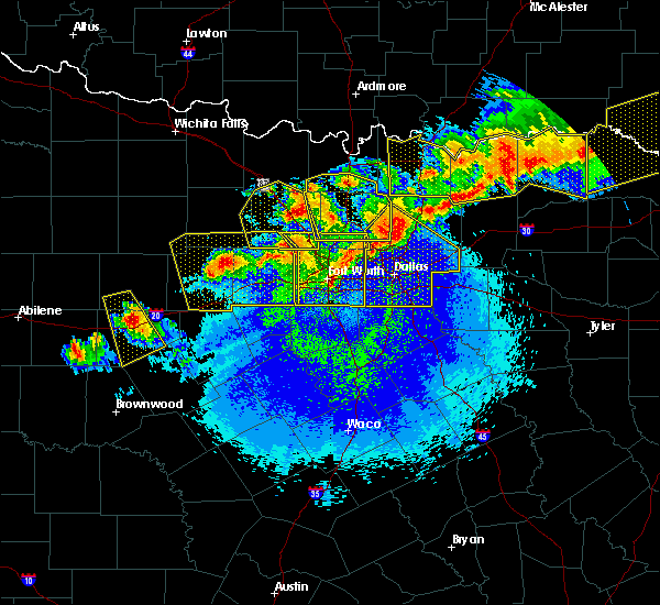 Radar Image for Severe Thunderstorms near Copper Canyon, TX at 4/28/2020 11:02 PM CDT