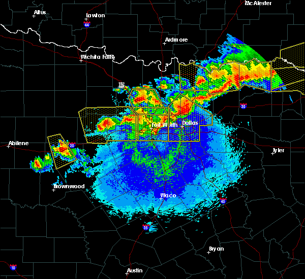 Radar Image for Severe Thunderstorms near Weatherford, TX at 4/28/2020 11:09 PM CDT