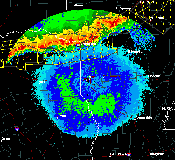 Radar Image for Severe Thunderstorms near Detroit, TX at 4/28/2020 11:31 PM CDT