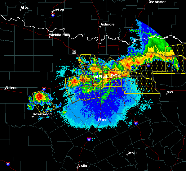 Radar Image for Severe Thunderstorms near East Tawakoni, TX at 4/28/2020 11:40 PM CDT