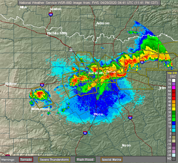 Radar Image for Severe Thunderstorms near Cleburne, TX at 4/28/2020 11:46 PM CDT