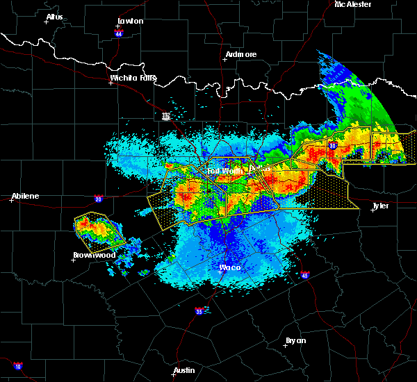 Radar Image for Severe Thunderstorms near Weatherford, TX at 4/29/2020 12:04 AM CDT