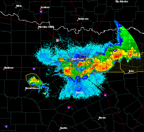 Radar Image for Severe Thunderstorms near Weatherford, TX at 4/29/2020 12:18 AM CDT