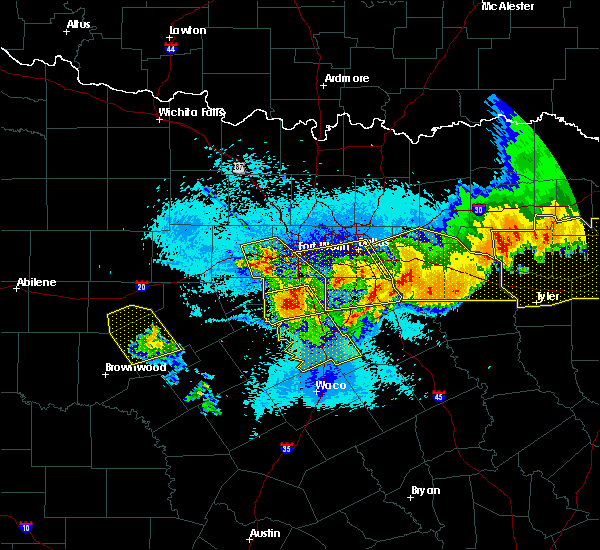 Radar Image for Severe Thunderstorms near Garrett, TX at 4/29/2020 12:31 AM CDT