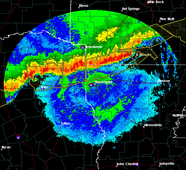 Radar Image for Severe Thunderstorms near Gladewater, TX at 4/29/2020 12:38 AM CDT