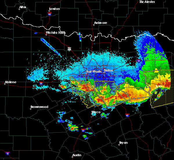 Radar Image for Severe Thunderstorms near Cleburne, TX at 4/29/2020 1:18 AM CDT