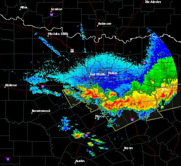 Radar Image for Severe Thunderstorms near Walnut Springs, TX at 4/29/2020 1:23 AM CDT