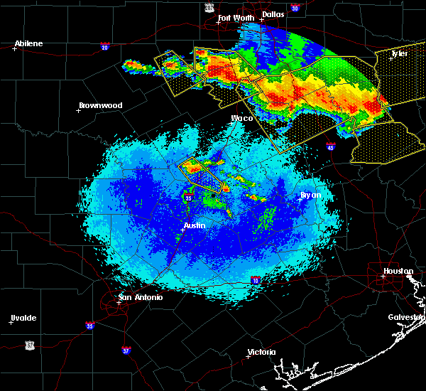 Radar Image for Severe Thunderstorms near Harker Heights, TX at 4/29/2020 1:42 AM CDT