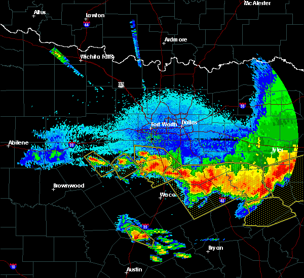 Radar Image for Severe Thunderstorms near Iredell, TX at 4/29/2020 1:49 AM CDT