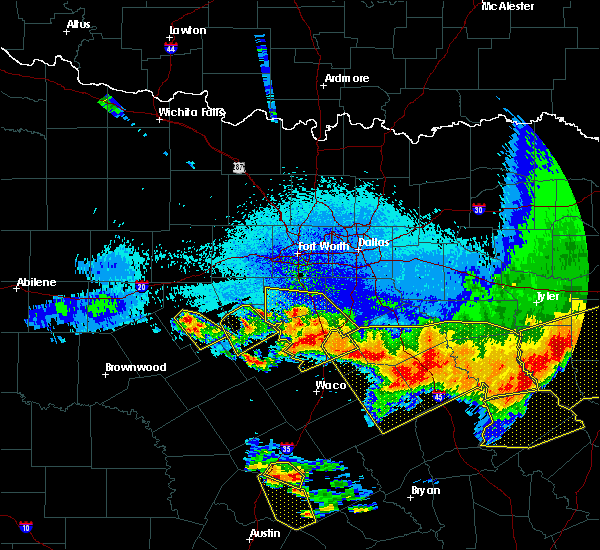 Radar Image for Severe Thunderstorms near Cleburne, TX at 4/29/2020 1:59 AM CDT