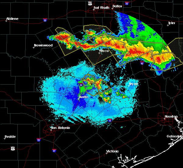 Radar Image for Severe Thunderstorms near McGregor, TX at 4/29/2020 3:30 AM CDT