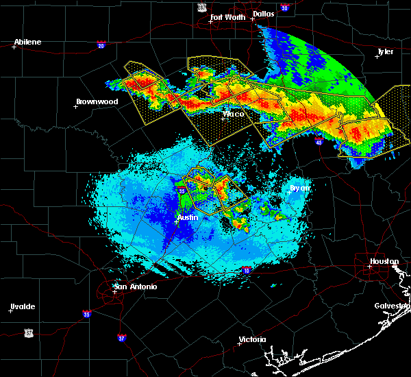 Radar Image for Severe Thunderstorms near Gatesville, TX at 4/29/2020 3:44 AM CDT
