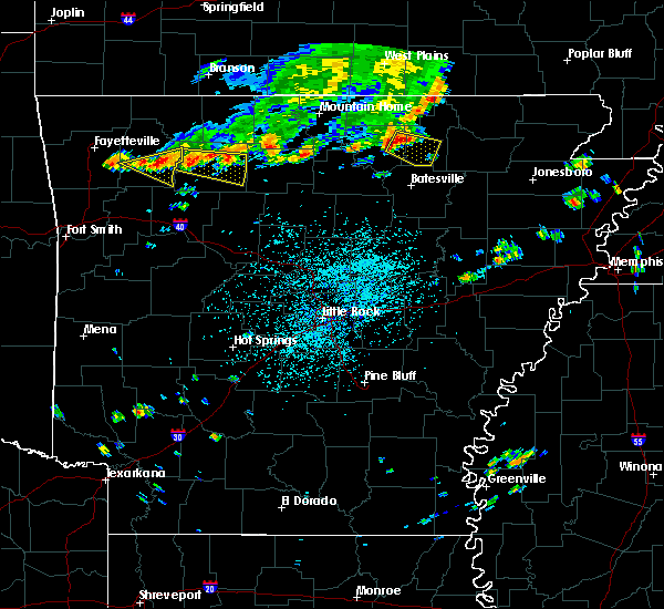 Radar Image for Severe Thunderstorms near Melbourne, AR at 6/26/2015 2:07 PM CDT