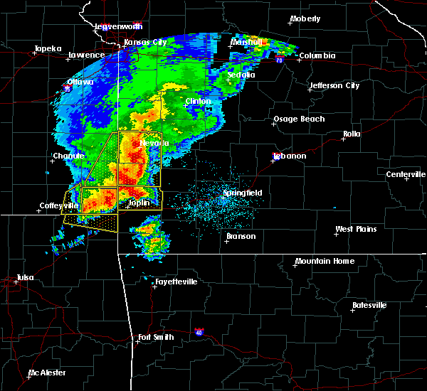Radar Image for Severe Thunderstorms near Burgess, MO at 5/3/2020 9:29 AM CDT