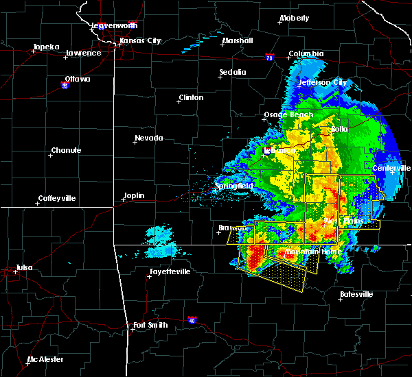 Radar Image for Severe Thunderstorms near Bakersfield, MO at 5/3/2020 12:06 PM CDT