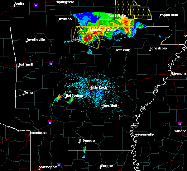 Radar Image for Severe Thunderstorms near Melbourne, AR at 5/3/2020 12:32 PM CDT