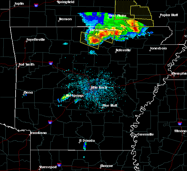 Radar Image for Severe Thunderstorms near Melbourne, AR at 5/3/2020 12:46 PM CDT