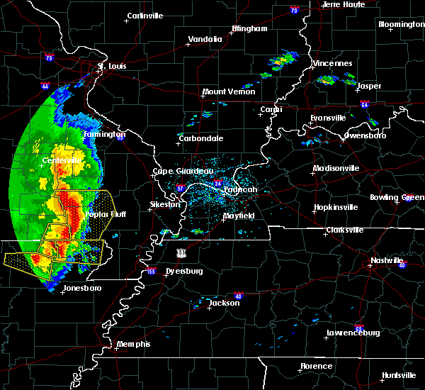 Radar Image for Severe Thunderstorms near Fairdealing, MO at 5/3/2020 1:12 PM CDT