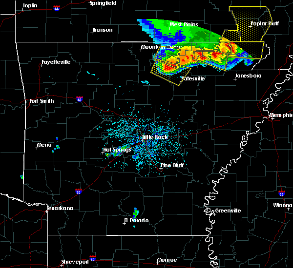 Radar Image for Severe Thunderstorms near Melbourne, AR at 5/3/2020 1:13 PM CDT