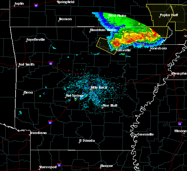 Radar Image for Severe Thunderstorms near Melbourne, AR at 5/3/2020 1:27 PM CDT