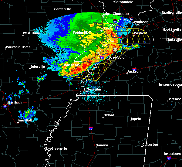 Radar Image for Severe Thunderstorms near Union City, TN at 5/3/2020 2:32 PM CDT