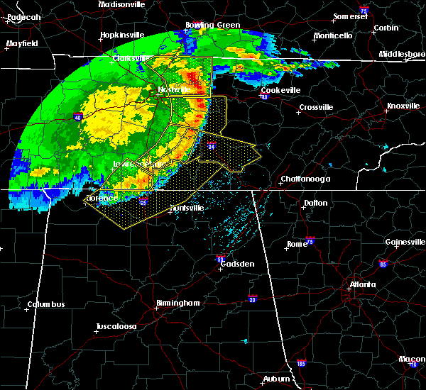 Radar Image for Severe Thunderstorms near Tullahoma, TN at 5/3/2020 5:10 PM CDT