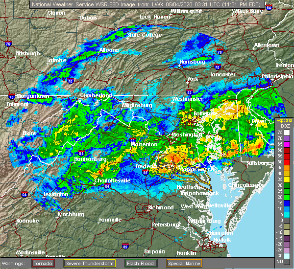 Radar Image for Severe Thunderstorms near Colonial Beach, VA at 5/3/2020 11:35 PM EDT