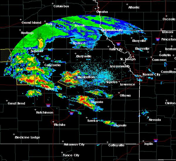 Radar Image for Severe Thunderstorms near Ogden, KS at 5/4/2020 7:30 AM CDT