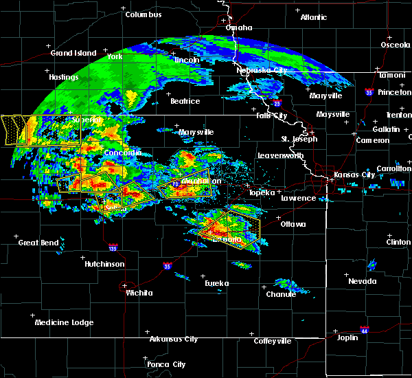 Radar Image for Severe Thunderstorms near St. George, KS at 5/4/2020 8:07 AM CDT