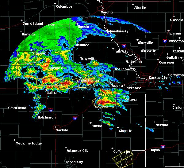 Radar Image for Severe Thunderstorms near Topeka, KS at 5/4/2020 8:28 AM CDT