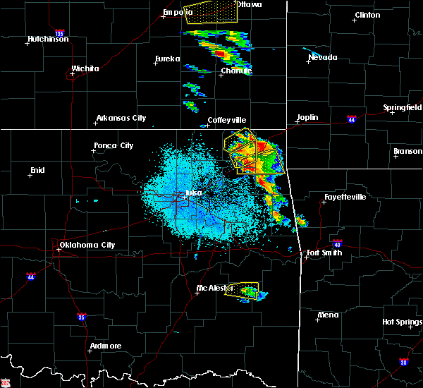 Radar Image for Severe Thunderstorms near Baxter Springs, KS at 5/4/2020 8:54 AM CDT