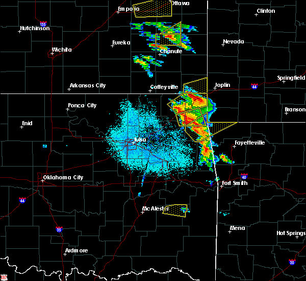 Radar Image for Severe Thunderstorms near Baxter Springs, KS at 5/4/2020 9:05 AM CDT
