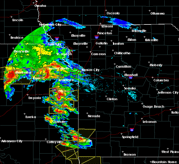 Radar Image for Severe Thunderstorms near Winchester, KS at 5/4/2020 9:27 AM CDT