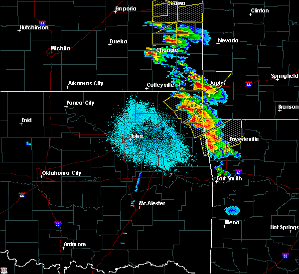 Radar Image for Severe Thunderstorms near Wyandotte, OK at 5/4/2020 9:29 AM CDT