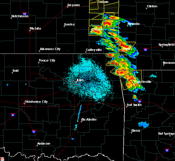 Radar Image for Severe Thunderstorms near Wyandotte, OK at 5/4/2020 9:44 AM CDT