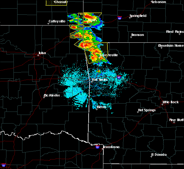 Radar Image for Severe Thunderstorms near Rogers, AR at 5/4/2020 9:46 AM CDT