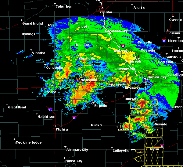 Radar Image for Severe Thunderstorms near Hoyt, KS at 5/4/2020 10:00 AM CDT