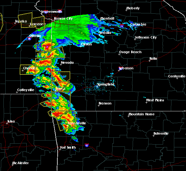 Radar Image for Severe Thunderstorms near La Russell, MO at 5/4/2020 10:01 AM CDT