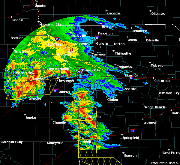 Radar Image for Severe Thunderstorms near Hume, MO at 5/4/2020 10:21 AM CDT