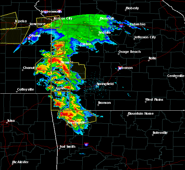 Radar Image for Severe Thunderstorms near La Russell, MO at 5/4/2020 10:26 AM CDT