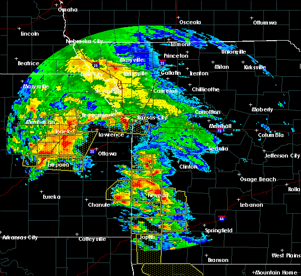 Radar Image for Severe Thunderstorms near Montrose, MO at 5/4/2020 10:32 AM CDT