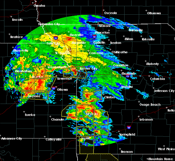 Radar Image for Severe Thunderstorms near Weatherby Lake, MO at 5/4/2020 10:35 AM CDT