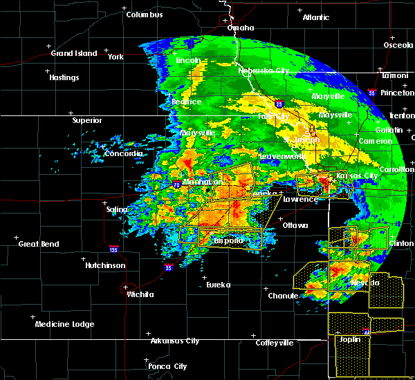 Radar Image for Severe Thunderstorms near Overbrook, KS at 5/4/2020 10:35 AM CDT