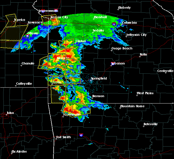 Radar Image for Severe Thunderstorms near Rogers, AR at 5/4/2020 10:48 AM CDT