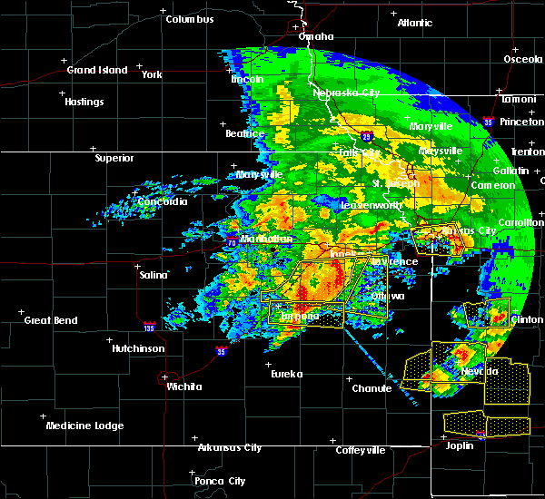 Radar Image for Severe Thunderstorms near Overbrook, KS at 5/4/2020 10:52 AM CDT
