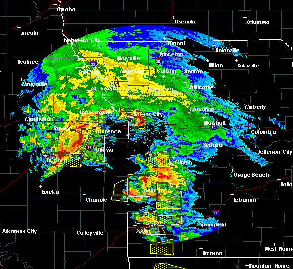Radar Image for Severe Thunderstorms near Montrose, MO at 5/4/2020 10:58 AM CDT